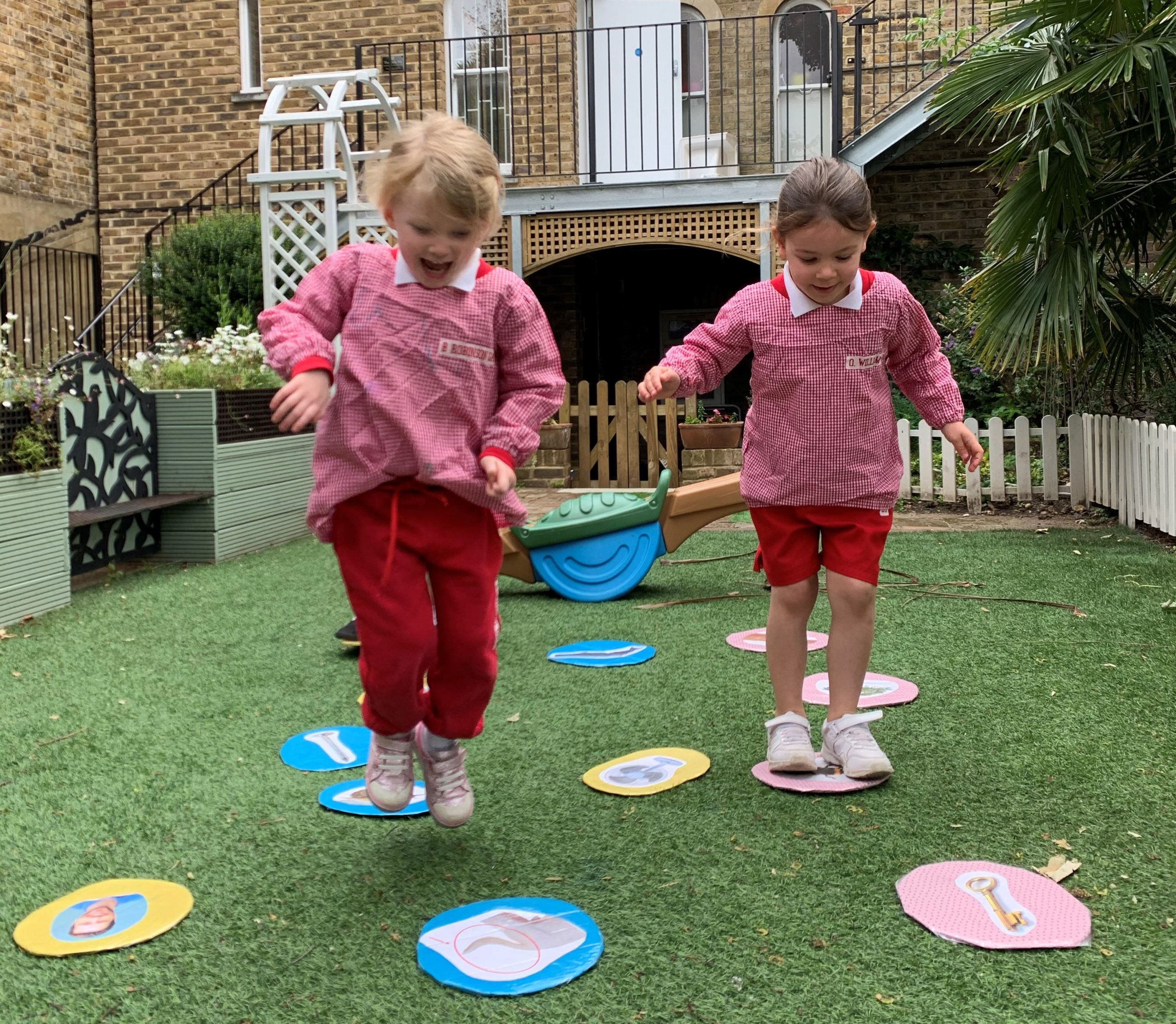Pre-School-Girls-in-Garden